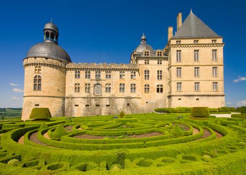 Dordogne chateau gardens