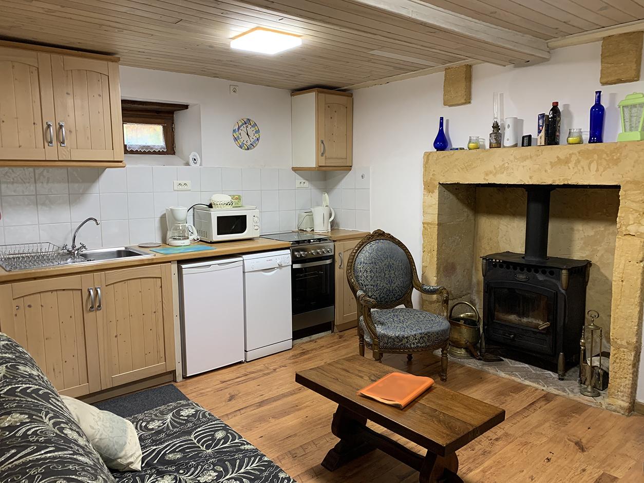 Dordogne gite kitchen