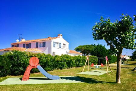 Beau Rivage Villa for rent, Vendee garden