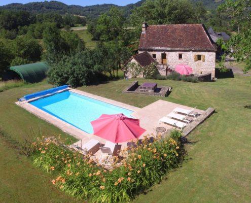 Fleuret Holidays Lascombes Gite, Dordogne pool