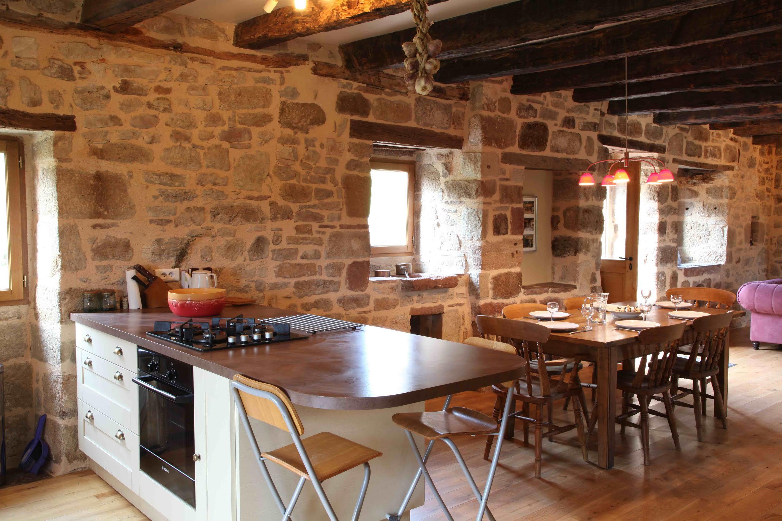 Fleuret Holidays Lascombes Gite, Dordogne kitchen