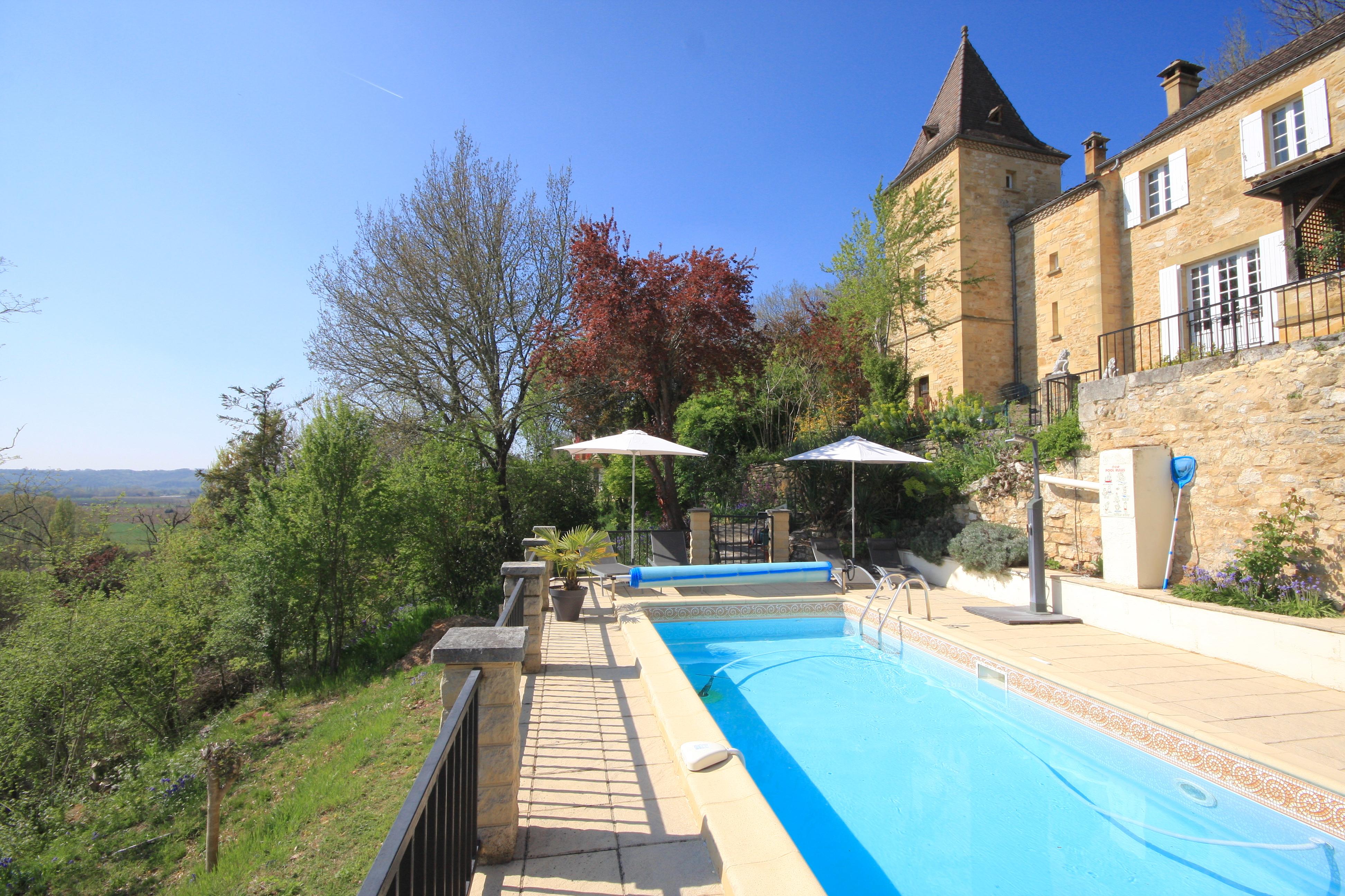 Dordogne villa outdoor pool